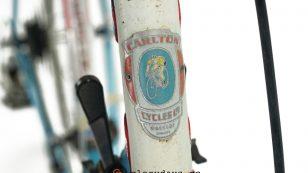 Carlton Equipe head badge
